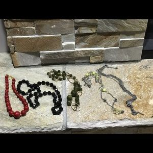 Lot of 5 fashion necklaces. All in good condition